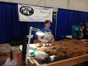 Demonstration of Alpaca fiber processing.